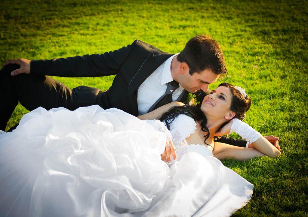 對於熱戀中的男女,如何考驗愛是否真心與忠誠度呢?