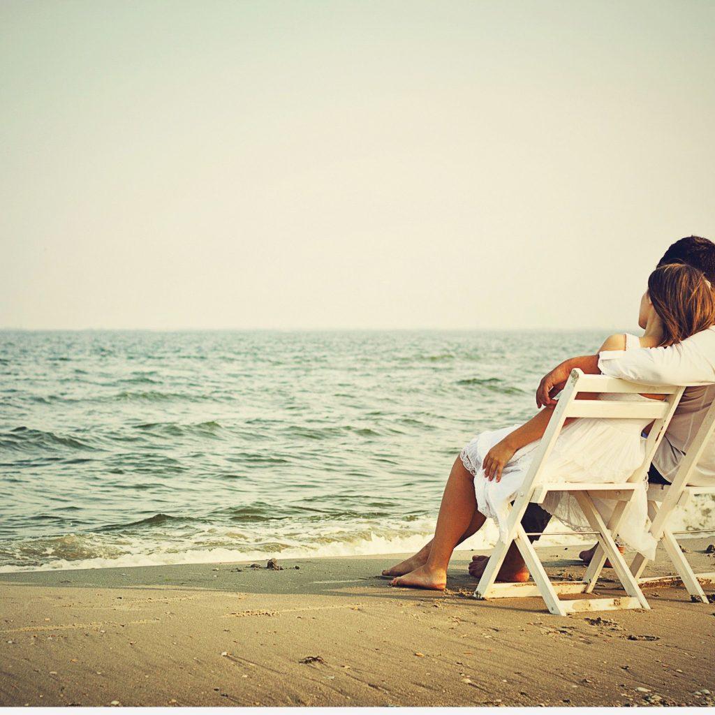 戀愛是一場遊擊戰閃電戰,婚姻卻是一場拉鋸戰持久戰。