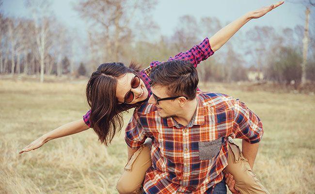 一個男人愛你到深處,不能自拔時,是不敢告訴你這3件事!